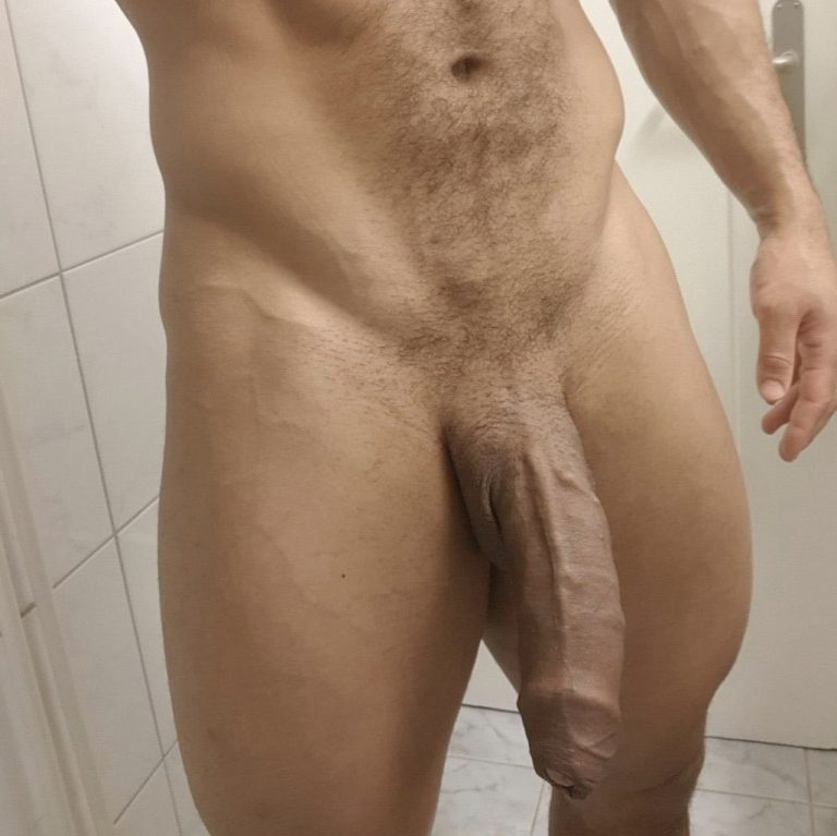 After some manscaping, Bobby strutted and showed the boys the biggest cock in the locker room at the gym… maybe the city!