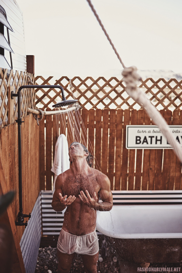John's Pub, at the beach,  has a shower outback. It's a great place to people watch.